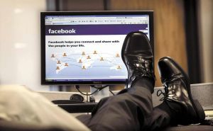 Use Facebook at Work Without Scruple